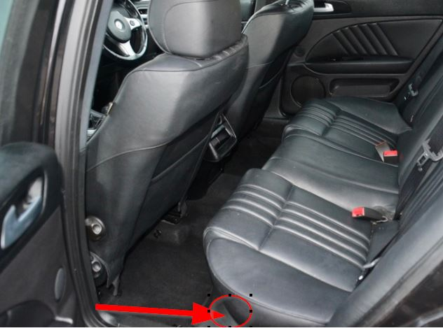 2018-04-02 15_19_26-C__Personal_chrome_download_159 rear seat.png - Greenshot image editor.jpg